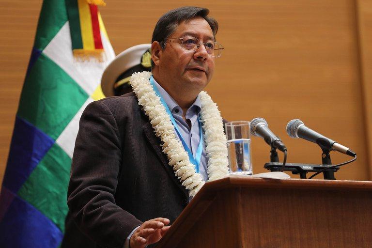 El presidente de Bolivia Luis Arce cambió al Alto Mando Militar