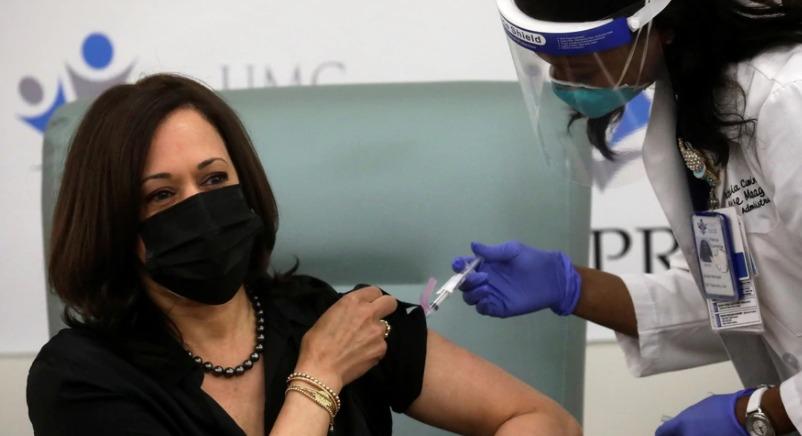 Vicepresidenta electa  de EEUU, Kamala Harris recibe vacuna anti-Covid19