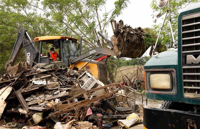 Acciones de Limpieza: 1,576 toneladas de escombros remueven en el Valle de Sula