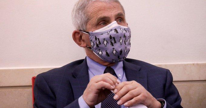 EE.UU.: Anthony Fauci, el máximo experto en enfermedades infecciosas, recibe la vacuna contra el coronavirus