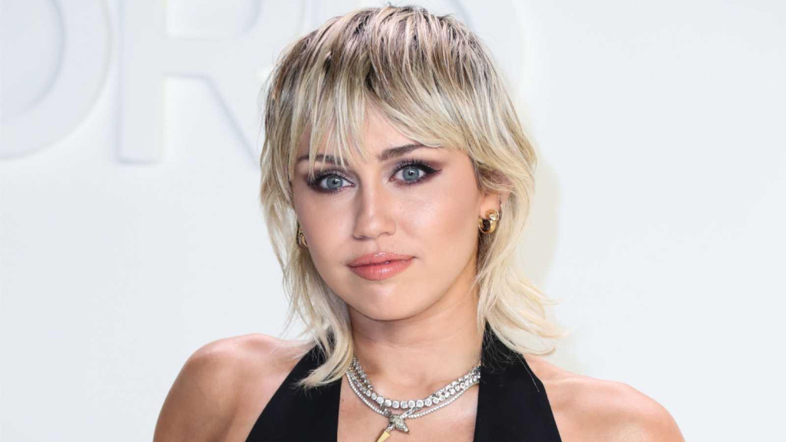 Cher confiesa que odia a Miley Cyrus