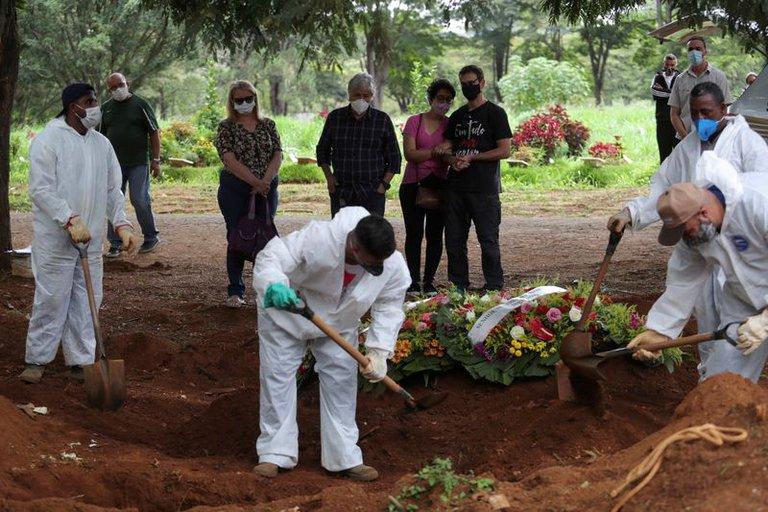 Estados Unidos reporta más de 4,000 muertes por Covid-19 en un día