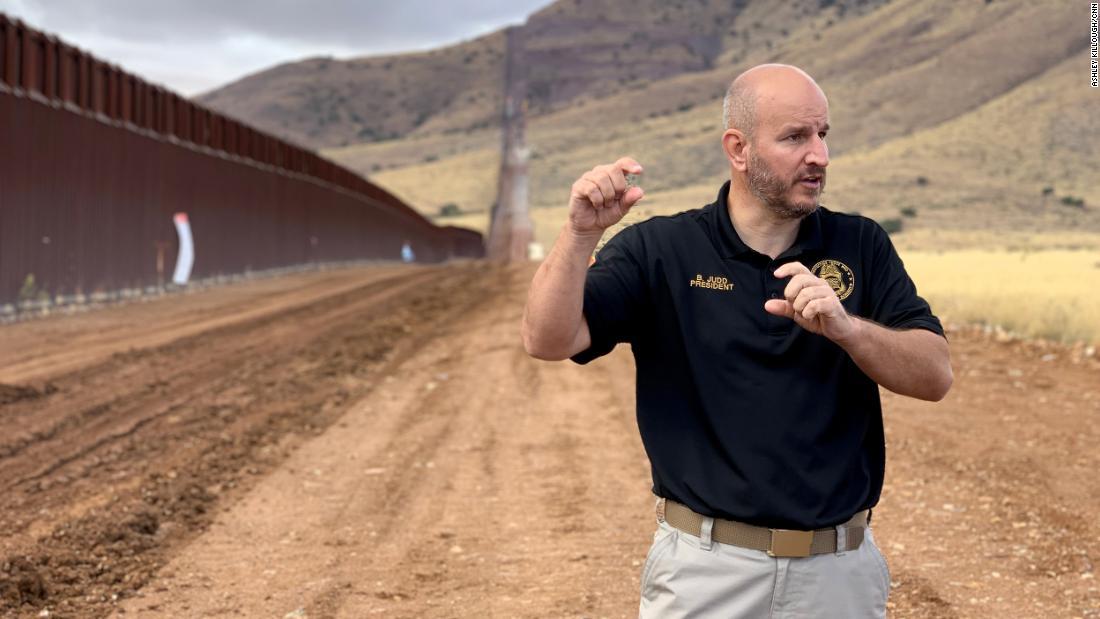 Construcción de muro fronterizo avanza a toda máquina en los últimos días del gobierno de Trump