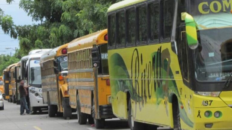 Transportistas amenazan con paro de unidades para la próxima semana