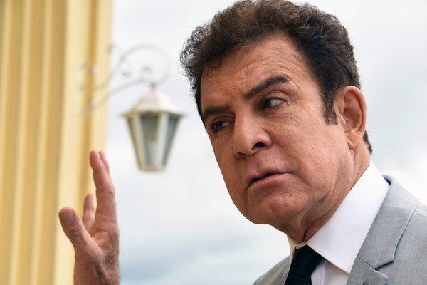 Salvador Nasralla, asegura que Juan Orlando Hernández intenta dar un golpe a la democracia