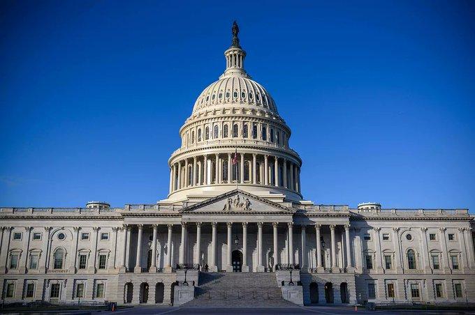 El Senado de EEUU anula por primera vez un veto de Donald Trump, el de la ley de defensa