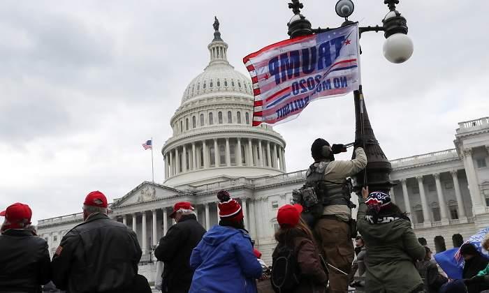 Simpatizantes de Trump asaltan el Congreso en la sesión de proclamación de Joe Biden como presidente