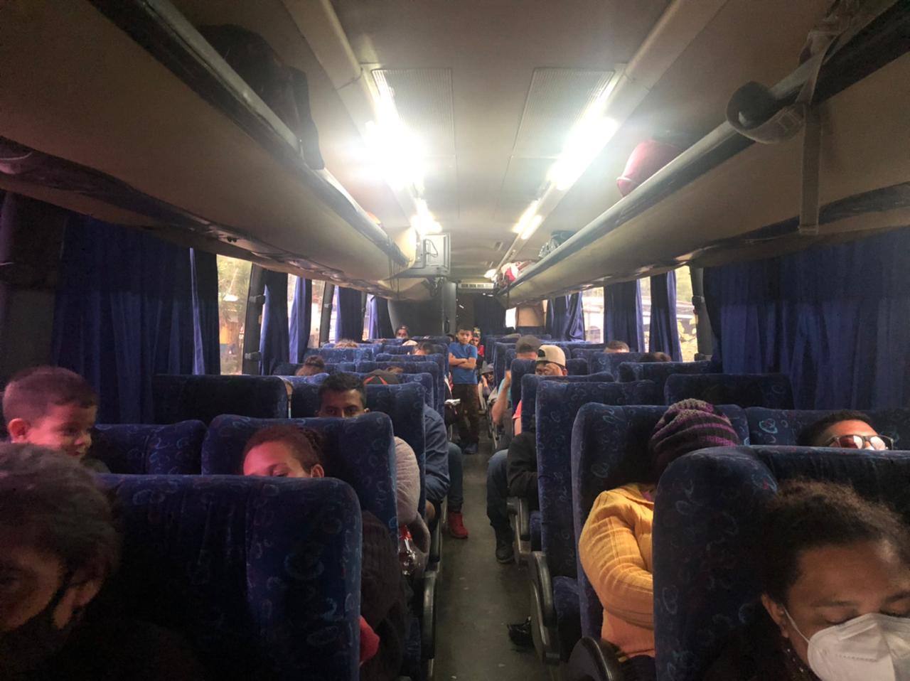 Migración reporta el retorno desde Guatemala de 217 hondureños que integraban la caravana