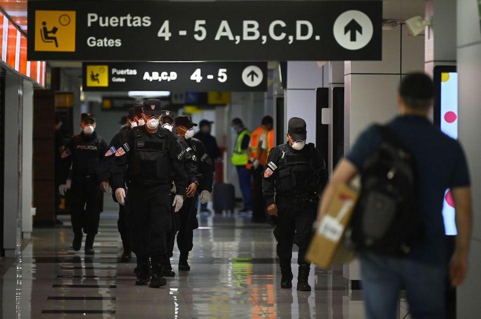El Salvador multa a Spirit Airlines por embarcar a un pasajero que dio positivo por Covid-19