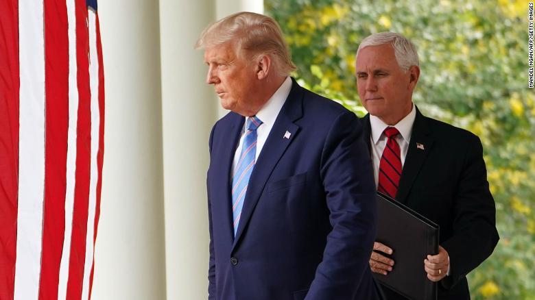 Mike Pence y Donald Trump vuelven a hablar tras toma del Capitolio