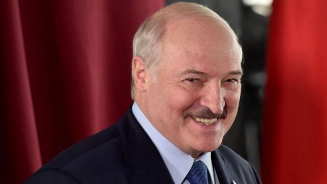 El coronavirus es un castigo de Dios, dice presidente de Bielorrusia