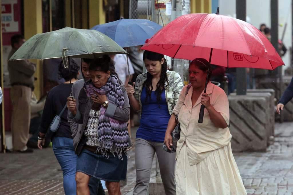 Frío y lluvias en el país se debilitará a partir de mañanadomingo