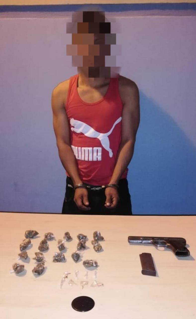 En posesión de arma de fuego y droga, policías preventivos arrestan a integrante de un grupo delictivo