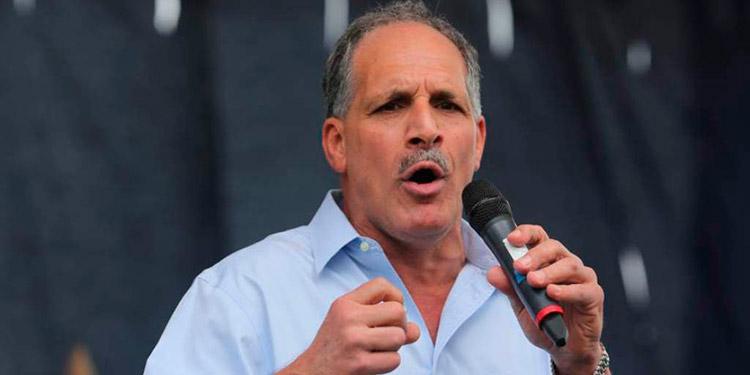 Nasry «Tito» Asfura pide que se le suspenda el sueldo mientras anda en campaña política