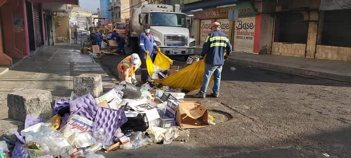 Unas 70 toneladas de basura dejó el fin de año en los mercados de Comayagüela