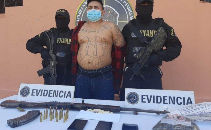 Capturan a «Sharpie» líder de la pandilla 18 en la capital