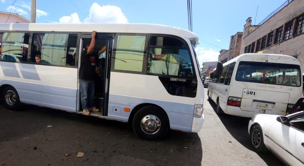 Sancionan a conductores de unidades del transporte de pasajeros por incumplir medidas de bioseguridad