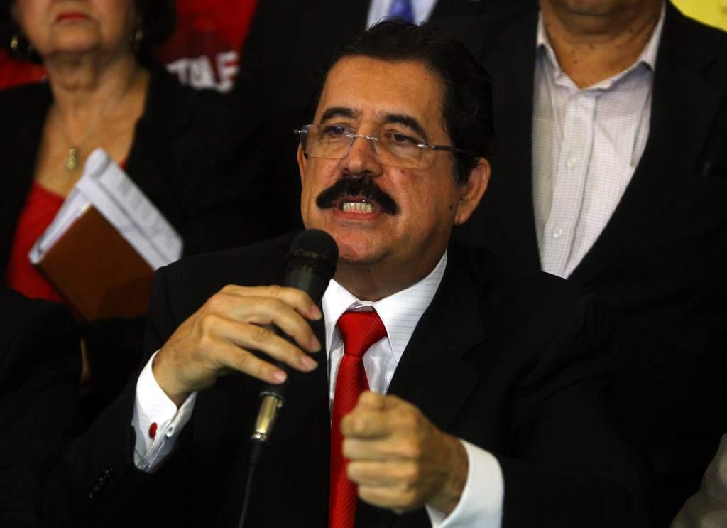 Manuel Zelaya : » Si intentan cambiar las elecciones, habrá convulsión en el país».