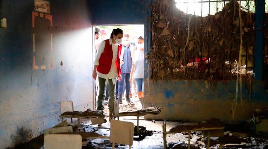 Unos $ 150 millones invertirá el gobierno en reconstrucción de centros educativos afectados por Iota y Eta