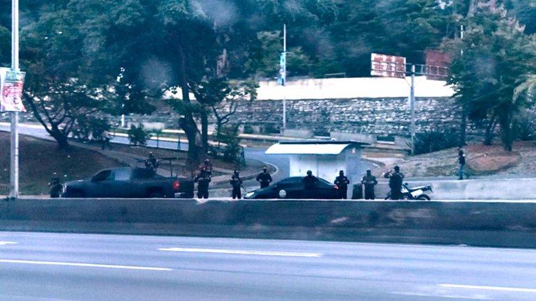 Fuerzas del gobierno de Nicolás Maduro rodean la residencia de Juan Guaidó en Caracas