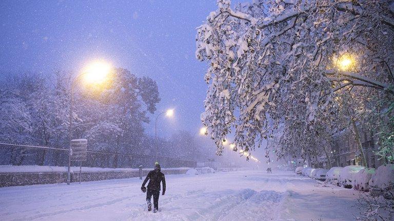 Al menos tres personas murieron por la tormenta de nieve en España