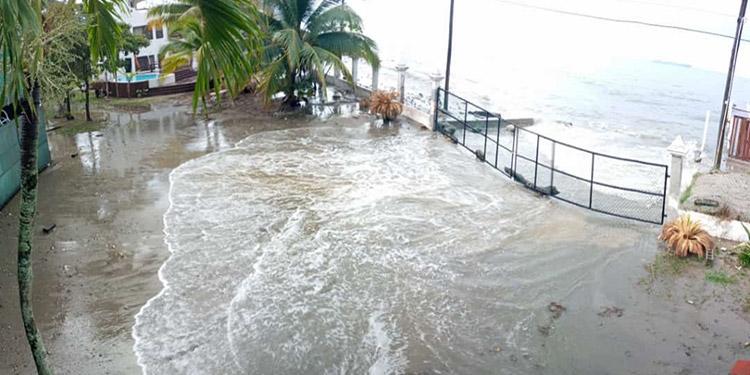 Frente Frío deja daños importantes en Omoa, Cortés
