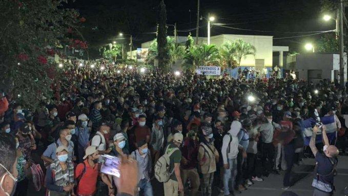 Ingresa a Guatemala caravana migrante  conformada por 9 mil  hondureños
