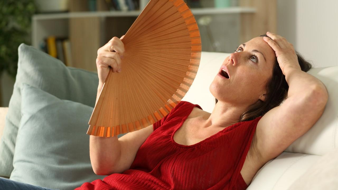 La Doctora Lorena Perdomo explica procedimientos estéticos en la menopausia