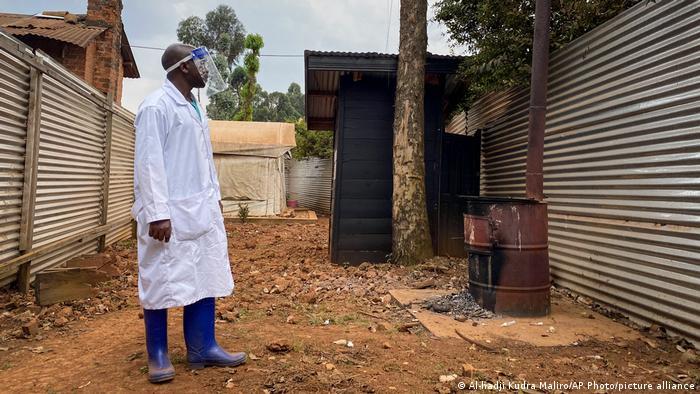 La OMS ha alertado a seis países africanos tras los brotes de ébola