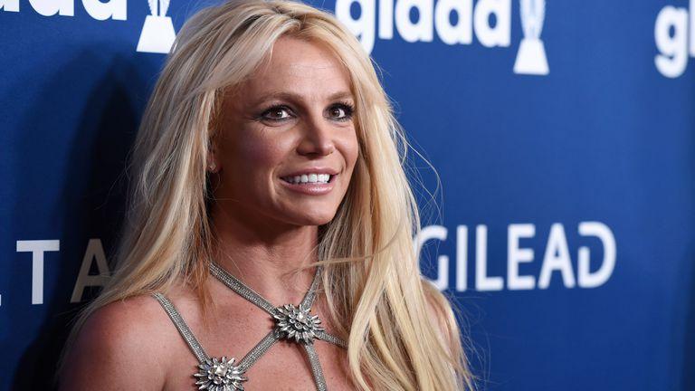 Britney Spears remueve las redes sociales