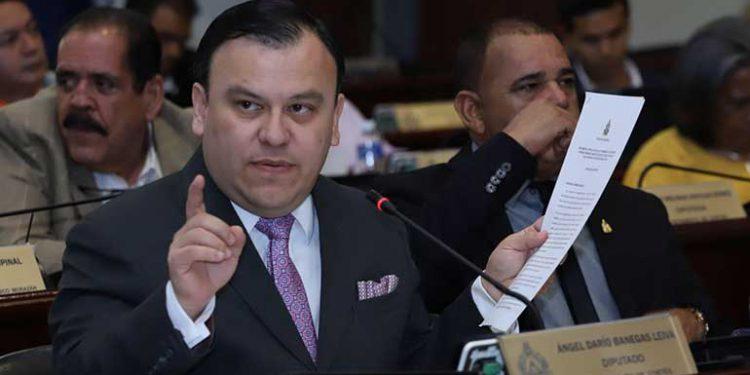 Darío Banegas: «Nosotros vamos a devolverle a la población el empleo para que no emigre a los EEUU»