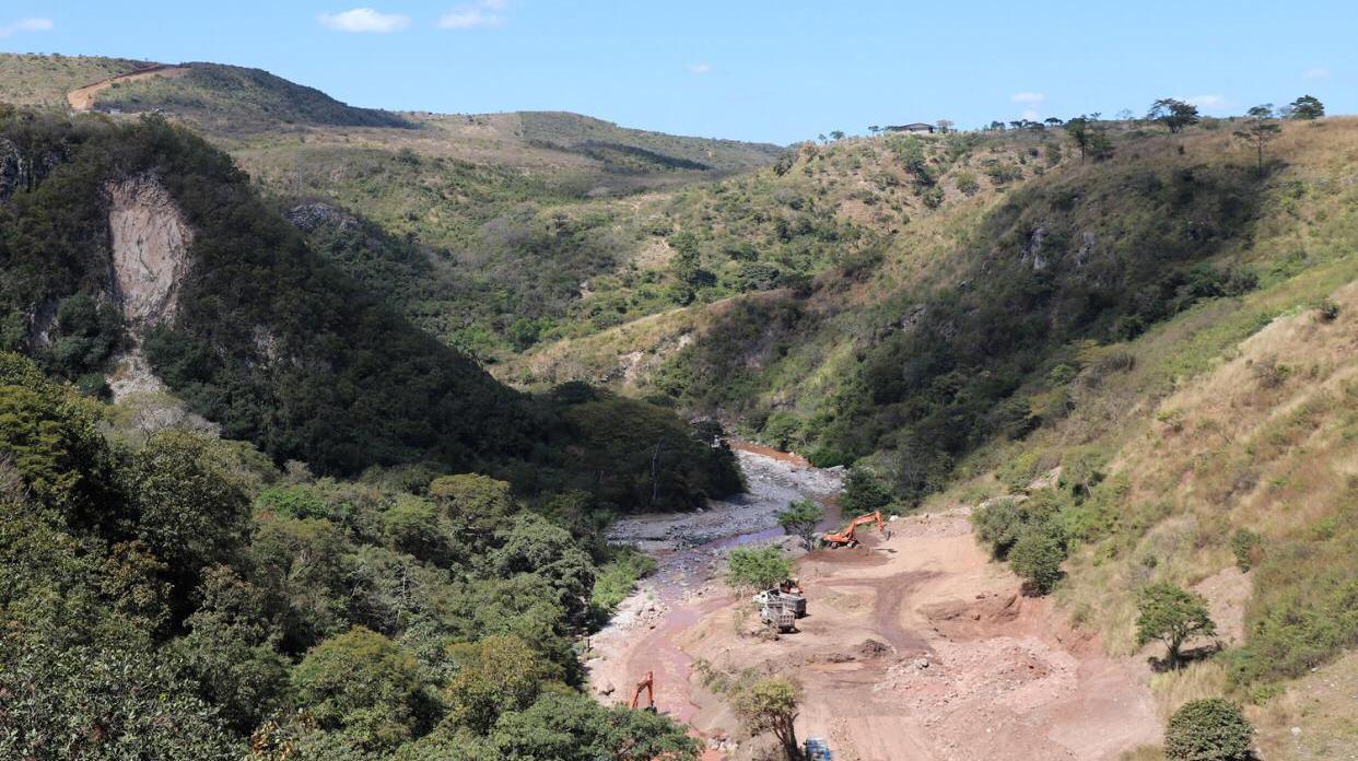 """Avanza la construcción de la represa """"San José"""" en la capital"""