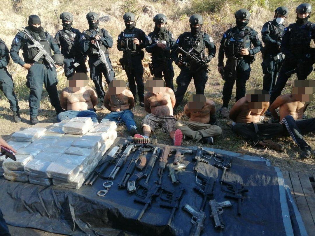 ¡Varios detenidos! deja la desarticulación de un campamento de entrenamiento para sicarios de la MS-13 en zona montañosa de la capital
