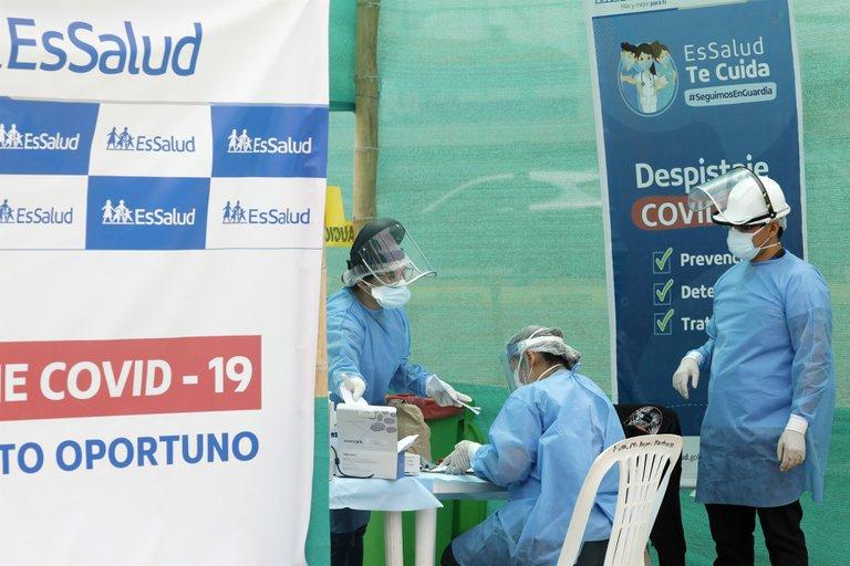 Renuncian las autoridades de la universidad encargada de realizar ensayos de la vacuna china en Perú