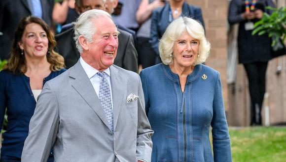 El Príncipe Carlos y su esposa son vacunados contra la Covid-19