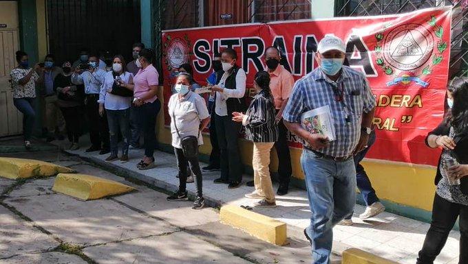 ¡Por pago de quinquenios! Sindicatos protestan frente a la Secretaria de Finanzas en la capital