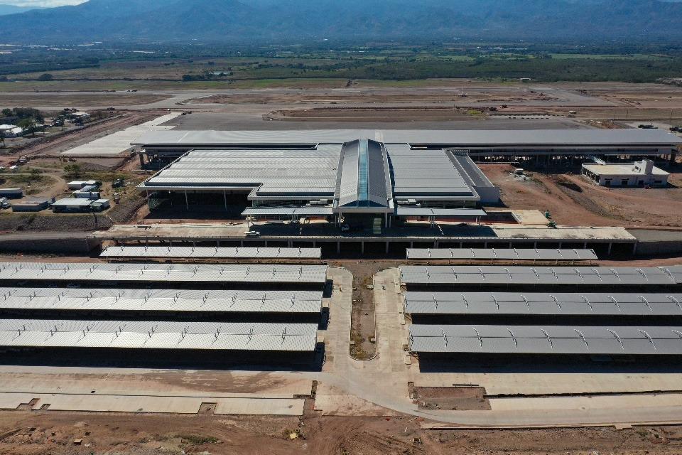 Presidente Hernández anuncia que Palmerola comenzará operaciones desde octubre próximo