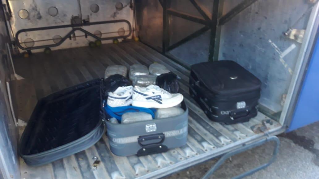 Por transportar marihuana camuflada en su maleta capturan a una persona en la Ceiba, Atlántida