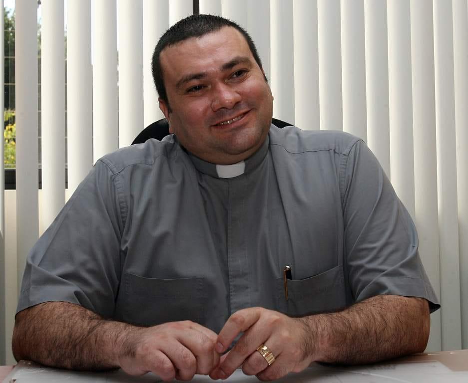 Rector de La Basílica de Suyapa, Padre Carlos Magno Núñez da Positivo a Covid-19