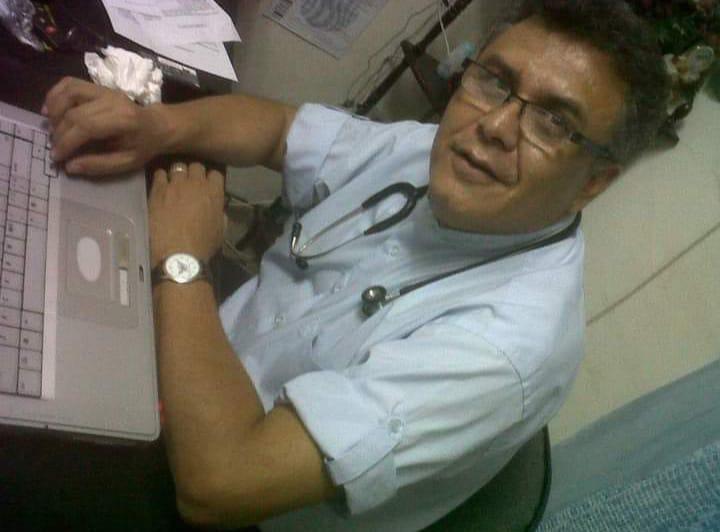El doctor Marcos Vinicio Benavídez fallece por Covid-19