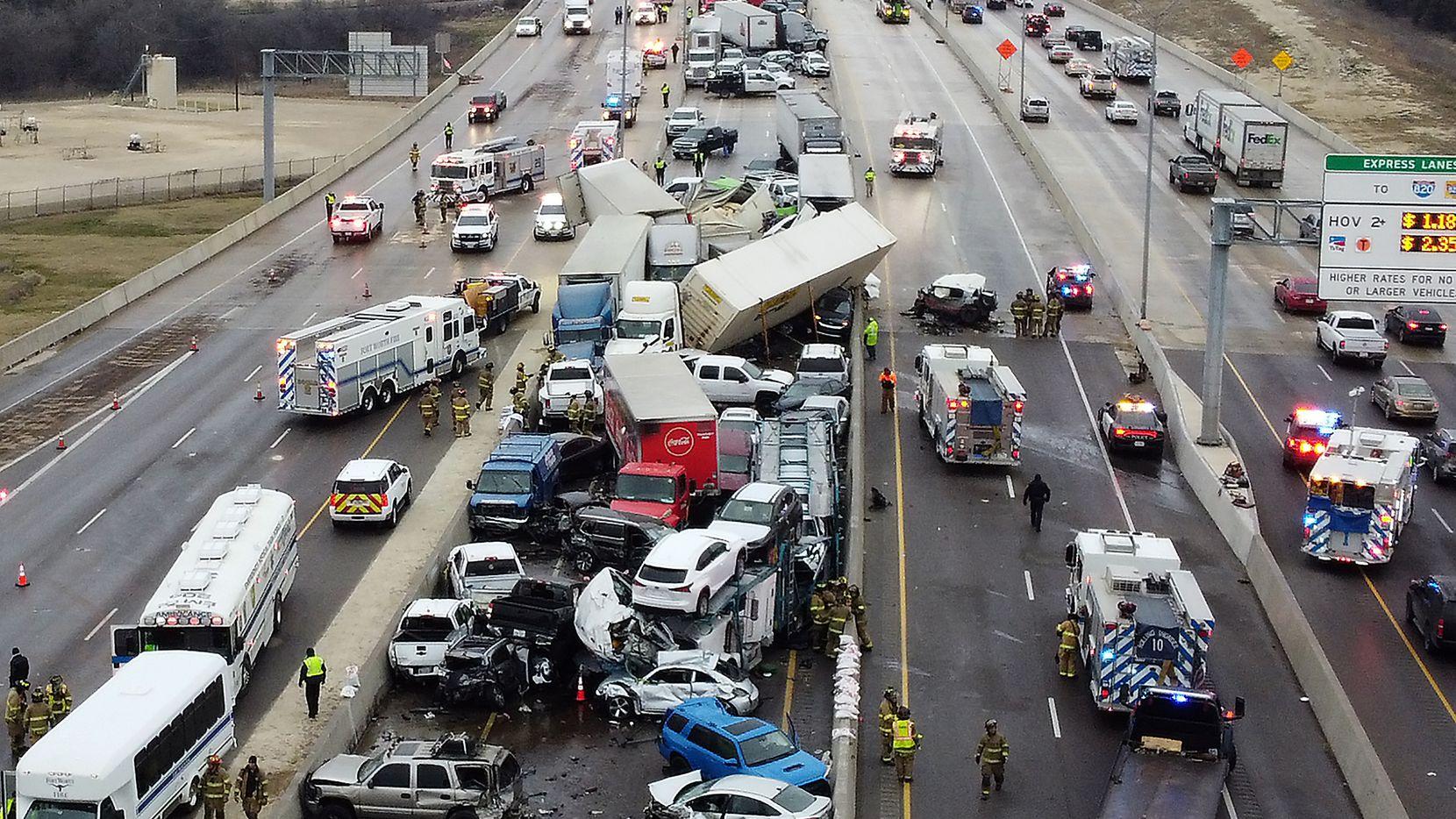Al menos 9 muertos en varios accidentes en Texas debido a tormentas invernales
