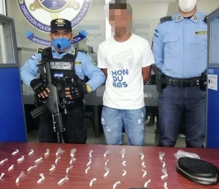 Una persona es detenida por suponerla responsable de tráfico ilícito de drogas en zona atlántica