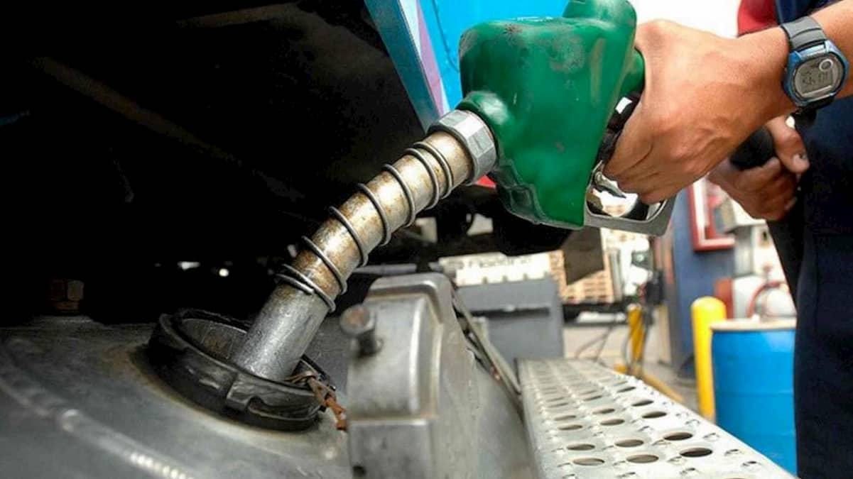 Anuncian aumento de los combustibles a partir de este lunes