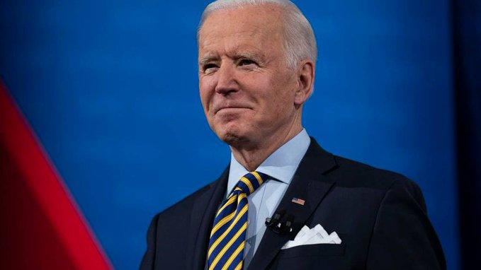 Biden anticipa que EEUU podrá volver a la normalidad en Navidad