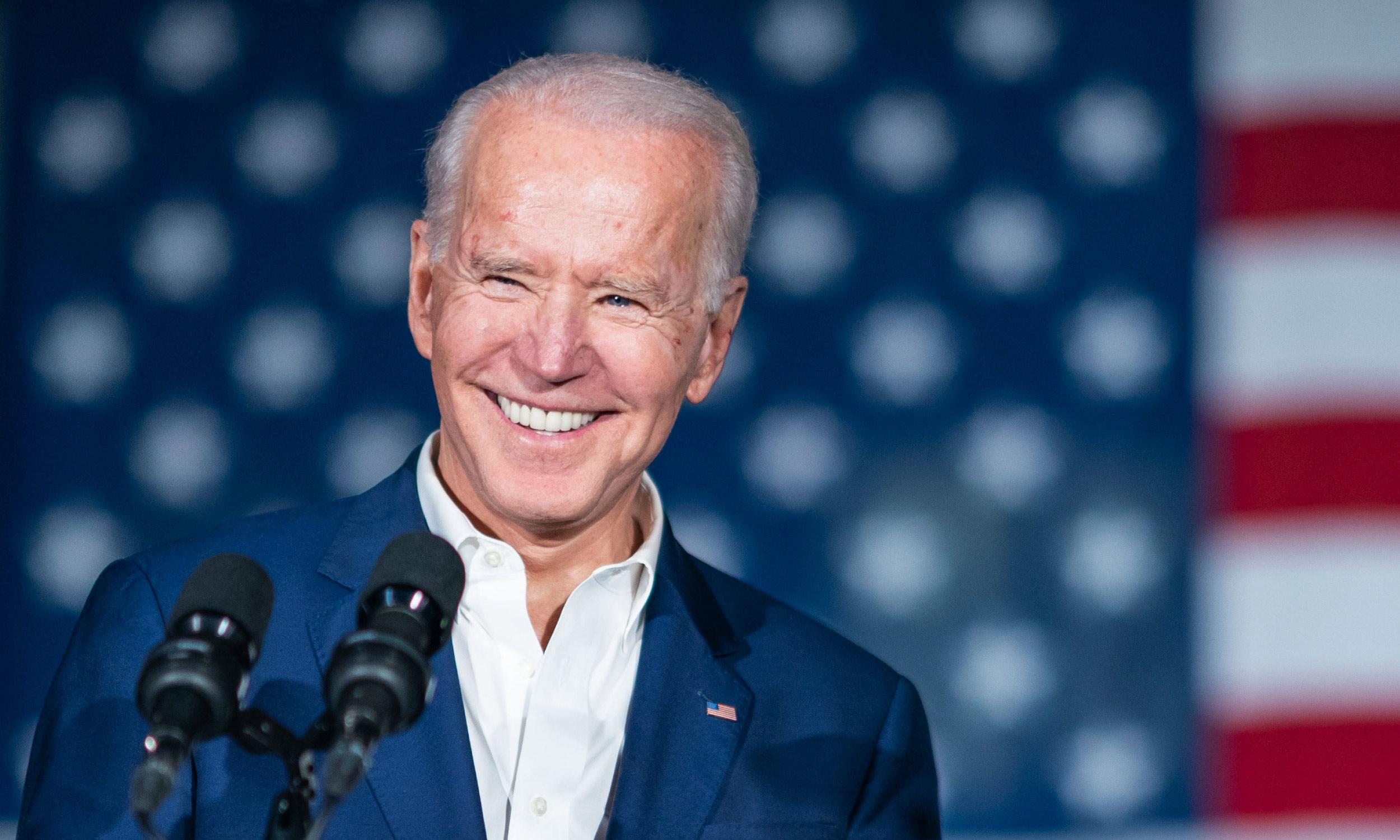 Biden reconoce que la democracia de EEUU es frágil tras la absolución de Trump