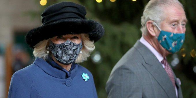 El príncipe Carlos y su esposa Camila fueron vacunados contra el coronavirus