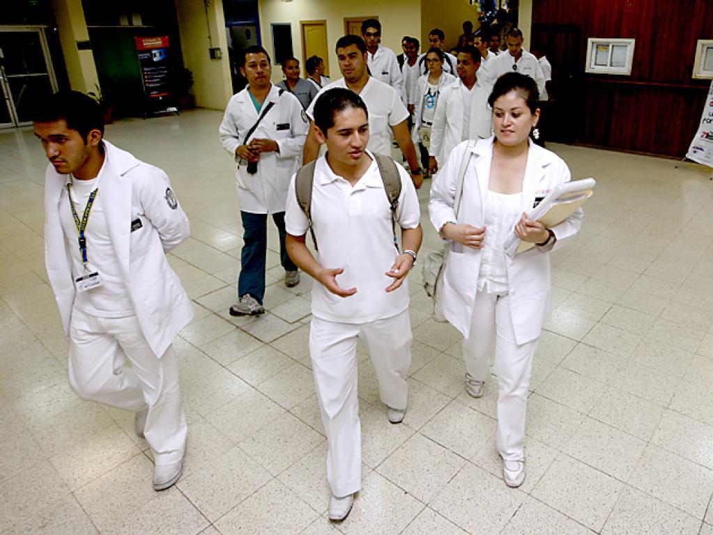 Edinora Brooks: «Los médicos en servicio social están en el limbo»