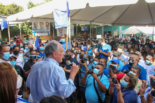 """""""No podemos descuidarnos ni un segundo en las mesas el día de las elecciones"""", pide Tito Asfura en Olancho"""