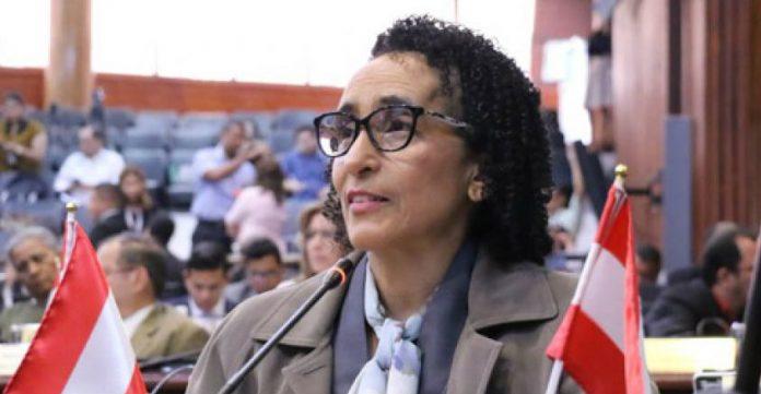 Edinora Brooks: «Tengo 295 actas que impugnar aunque según la  histórica no sirve de nada»