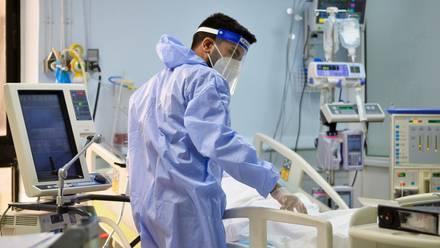 Estudio revela que 7 de cada 10 hospitalizados por covid-19 no se habían recuperado por completo cinco meses después del alta